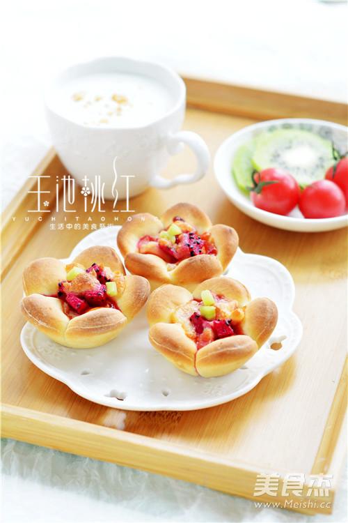花朵水果小批萨的制作