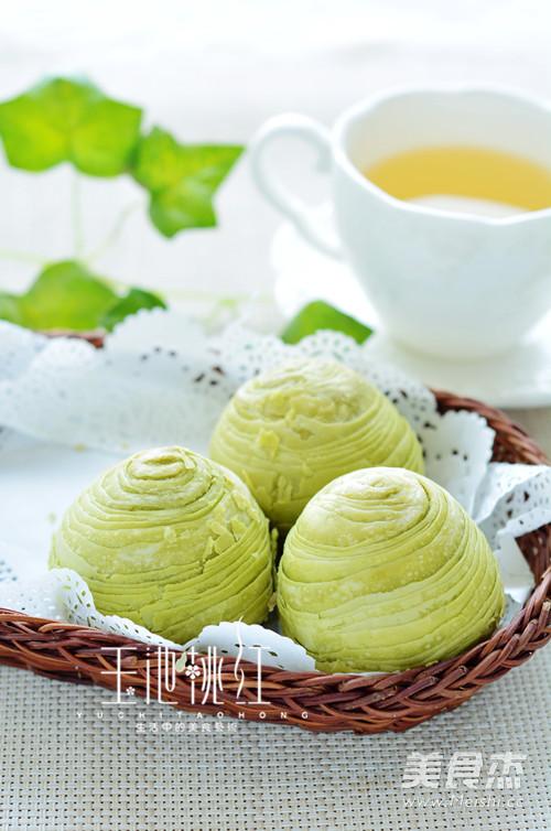 抹茶玫瑰蛋黄酥的制作方法