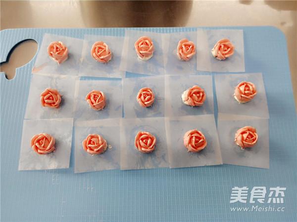 小玫瑰花奶油蛋糕的步骤