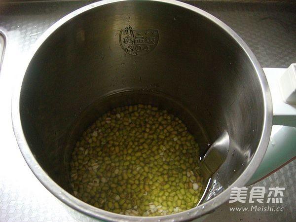 绿豆薏米豆浆的做法图解