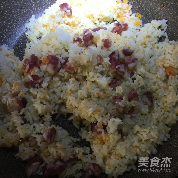 腊肠炒饭的简单做法
