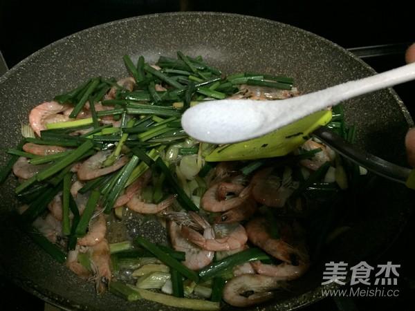 老荞炒河虾怎么做