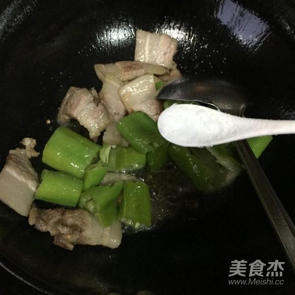 青椒炒肉片怎么炒