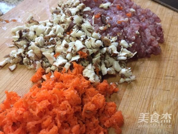 胡萝卜香菇肉馄饨的做法大全