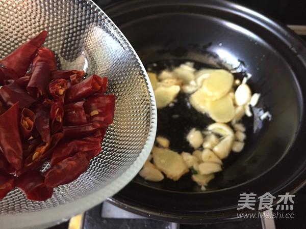 干锅辣子鸡翅怎么煮