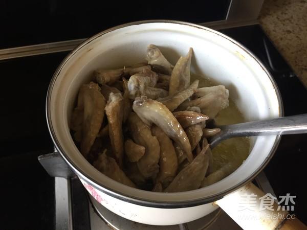 干锅辣子鸡翅的简单做法