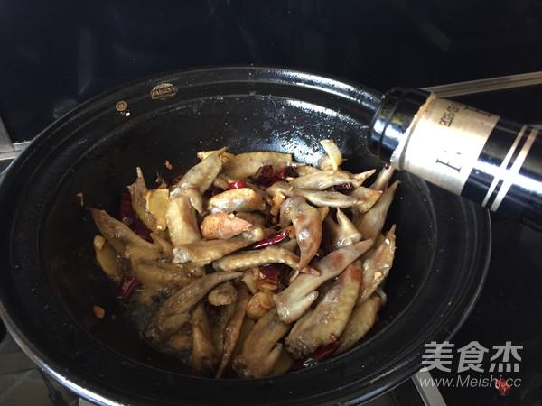 干锅辣子鸡翅怎样煮
