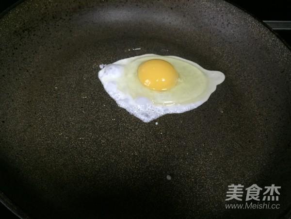 海鲜酸菜牛肉米粉的家常做法