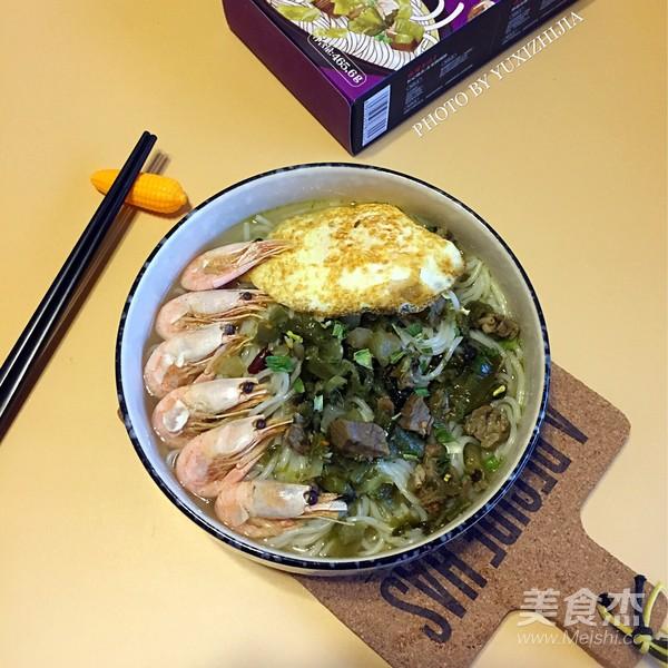 海鲜酸菜牛肉米粉怎样煸