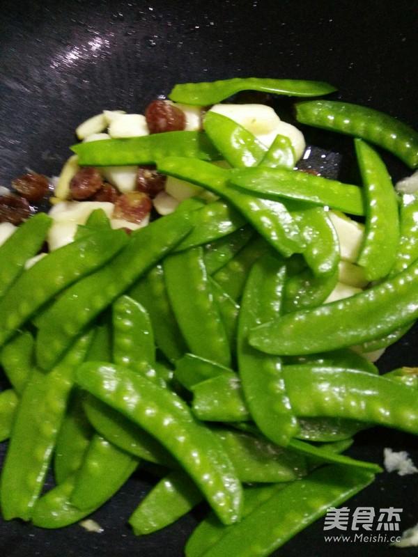 荷兰豆荸荠炒腊肠怎么煮