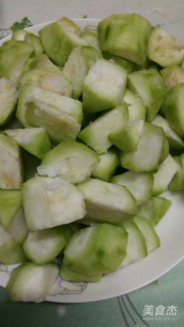 白玉菇炒丝瓜的家常做法
