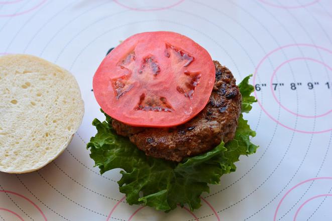 美式牛肉汉堡的制作
