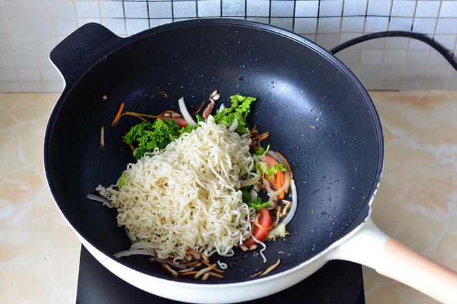 青菜炒面怎么炒