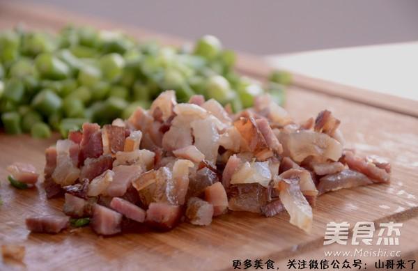 湖南特色蒜苗腊肉炒饭的做法大全