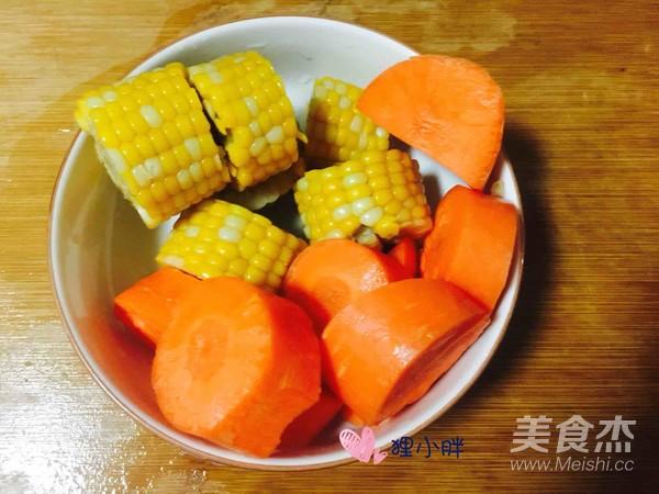 胡萝卜玉米骨头汤怎么炒