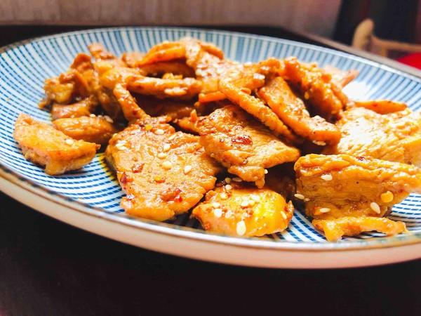 追剧小零食,香辣诱人的鸡胸肉片怎么煮