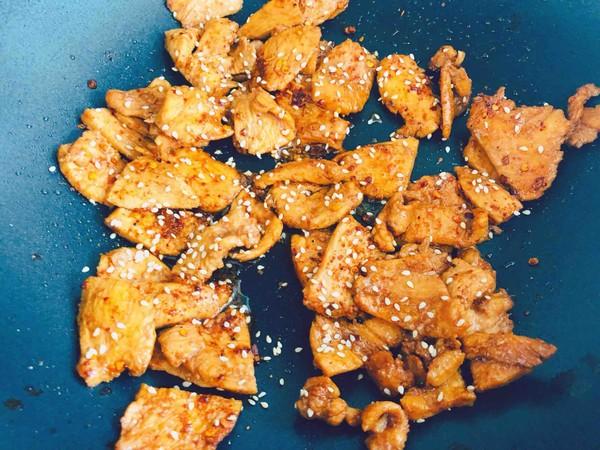 追剧小零食,香辣诱人的鸡胸肉片怎么炒