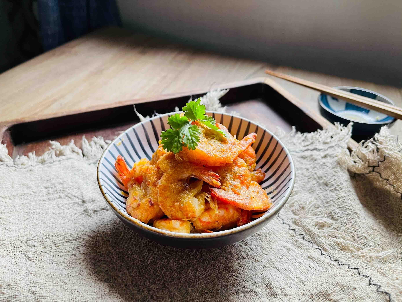 咸香酥脆的咸蛋黄脆皮虾的步骤