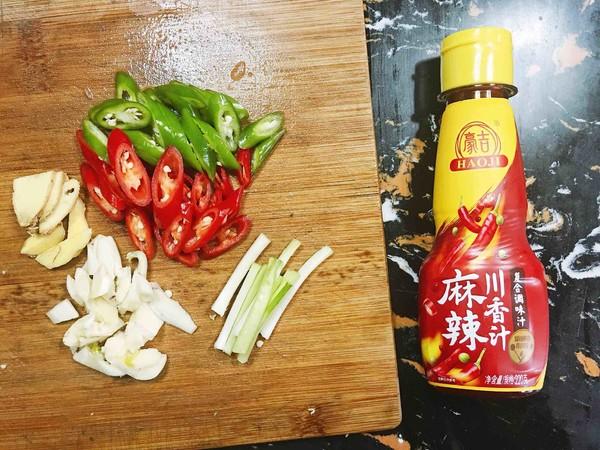 外酥里嫩—麻辣川香炸鱼块怎么吃