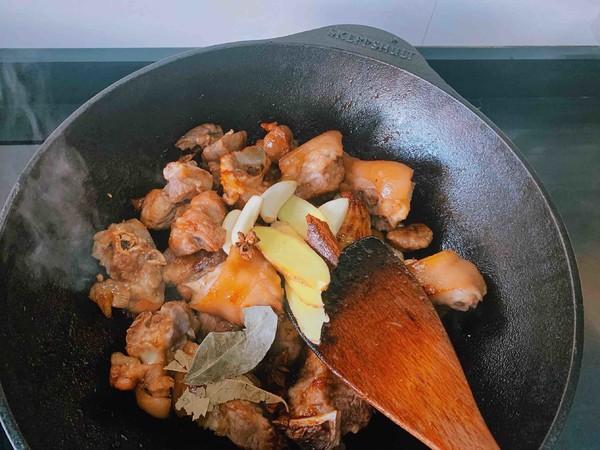 软糯好吃的红烧猪蹄的简单做法