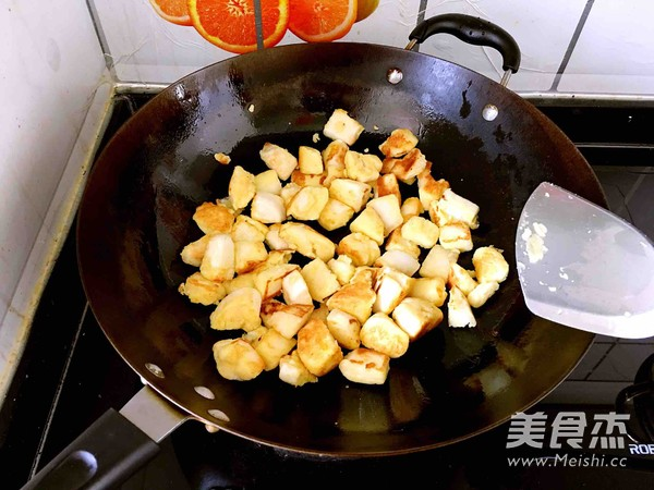 炒黄金馒头丁怎么吃