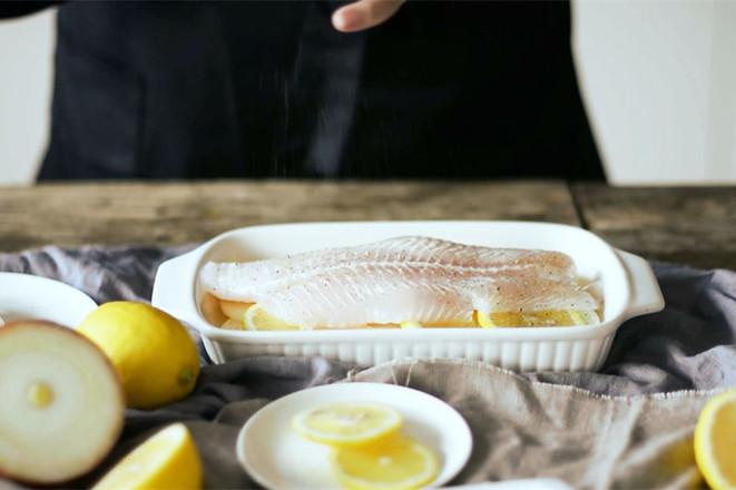 夏日清爽的柠檬龙利鱼的家常做法