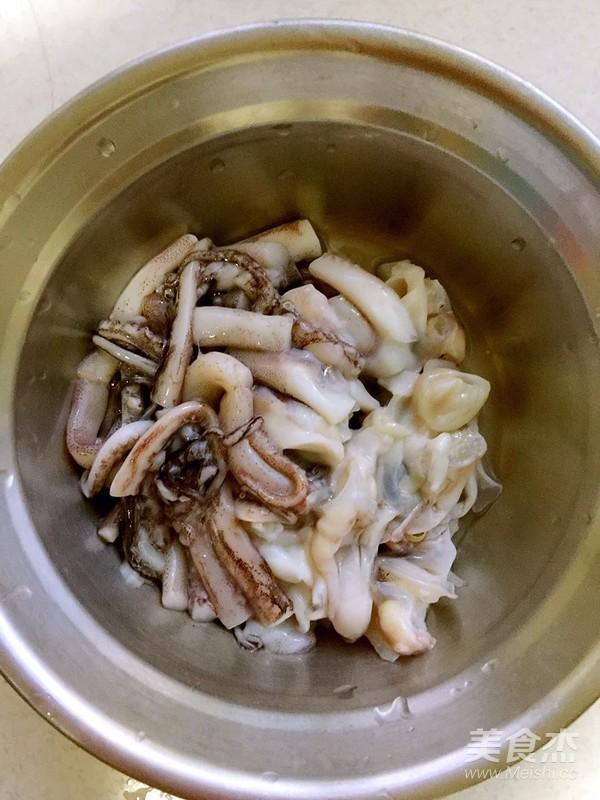 辣白菜海鲜炒粉条的做法图解