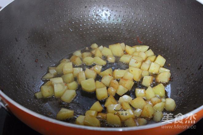 土豆炒饭的家常做法