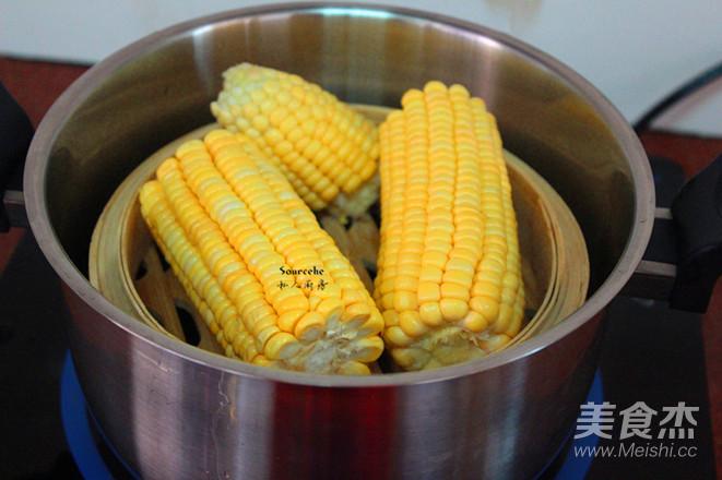 蜜汁蒸玉米怎么吃