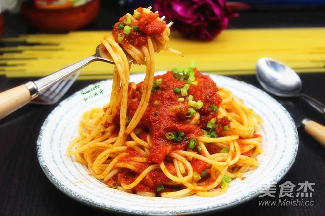 罗勒风味番茄酱意面成品图