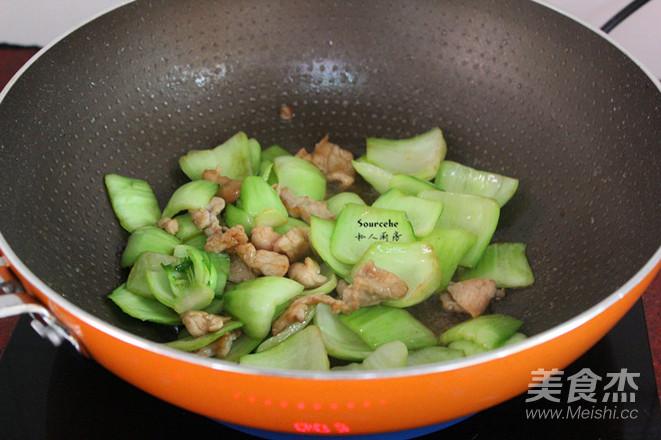 肉片炒青菜怎么做