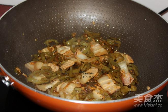 酸辣椒炒肉怎么做