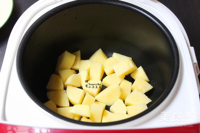 酱香鸡根焖土豆的简单做法