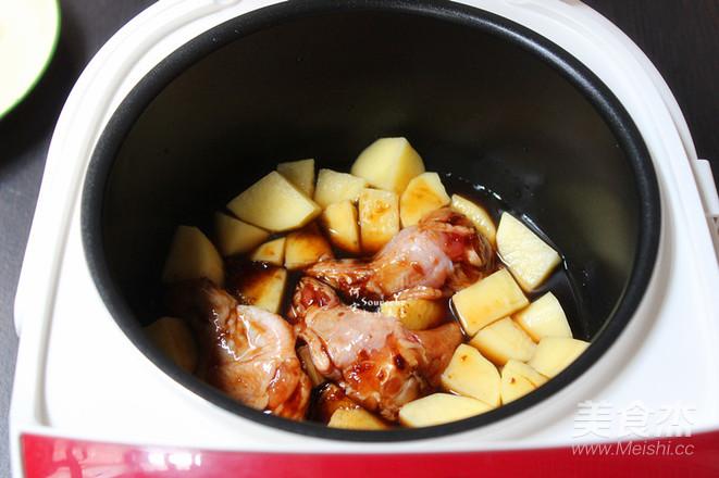 酱香鸡根焖土豆怎么吃
