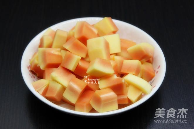 百合木瓜炖牛奶的做法图解