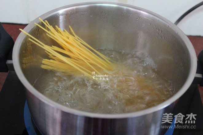 鲜虾茄汁意面的家常做法