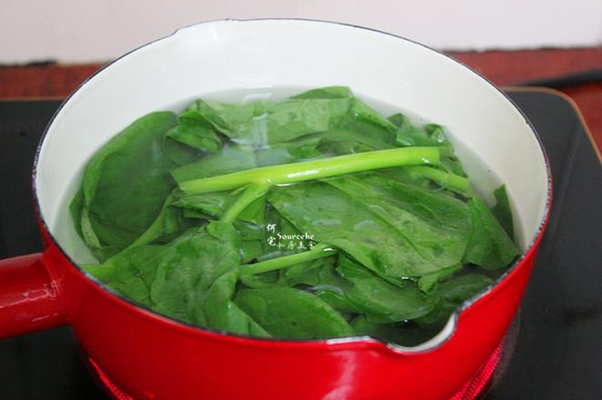 木耳菜皮蛋汤的家常做法