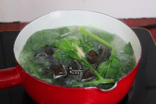 木耳菜皮蛋汤怎么吃