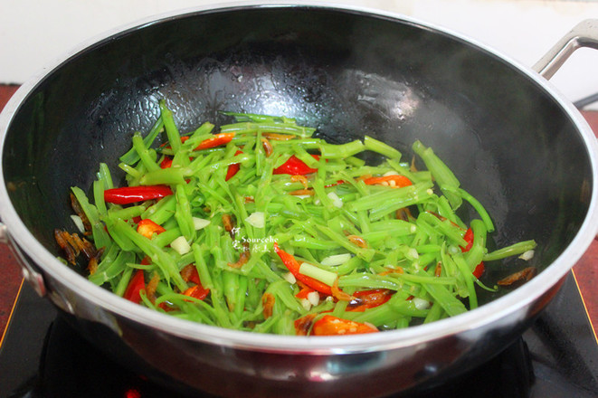 虾皮炒空心菜怎么做