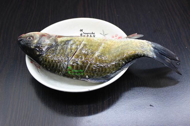 腐竹炖鲫鱼的做法图解