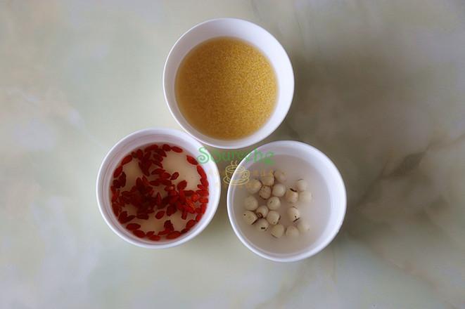 莲子小米粥的做法图解