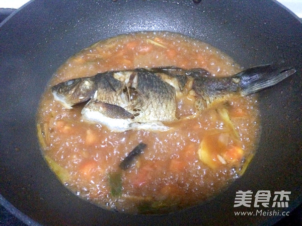 茄汁鲫鱼怎样煸