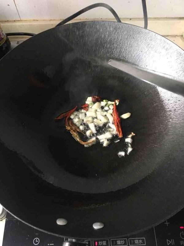 辣椒豆瓣酱炒臭豆腐干的家常做法