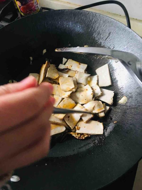 辣椒豆瓣酱炒臭豆腐干怎么吃