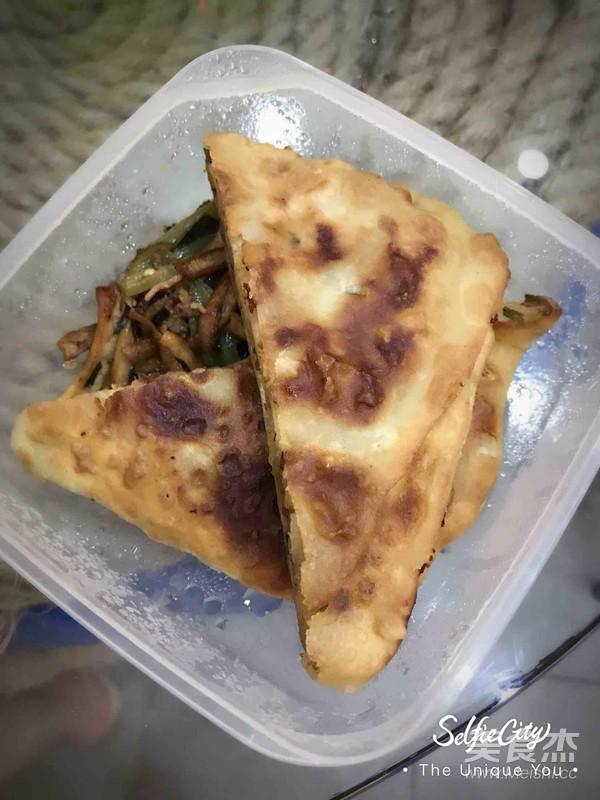 猪肉韭菜千层饼成品图