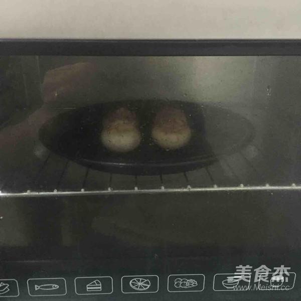 吞拿鱼烤蘑菇怎么做