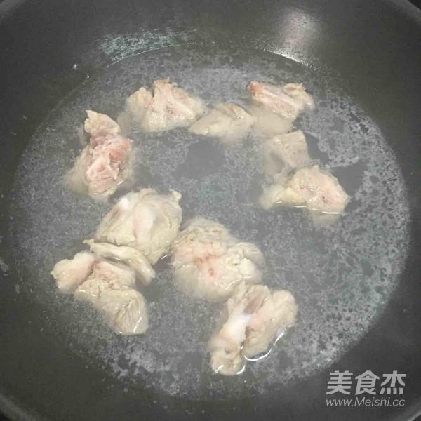萝卜排骨养生汤的简单做法