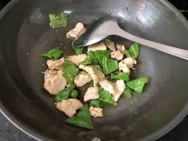 尖椒炒肉片怎么做