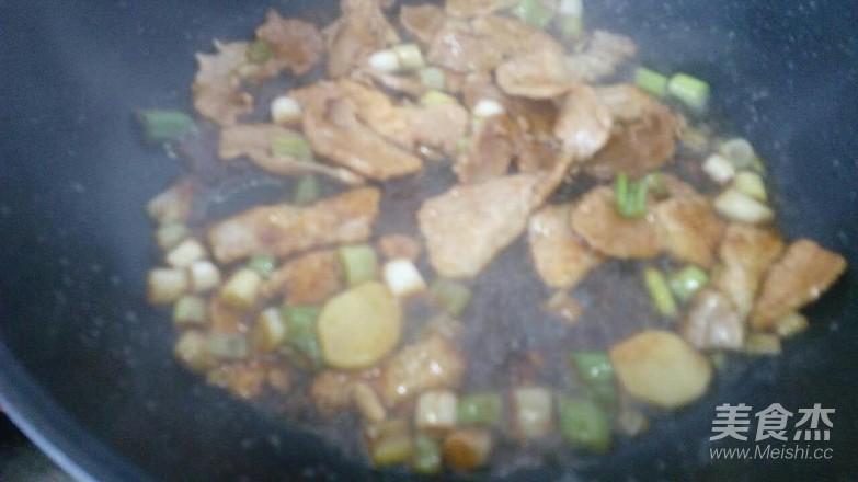 猪肉炖腐竹怎么炒