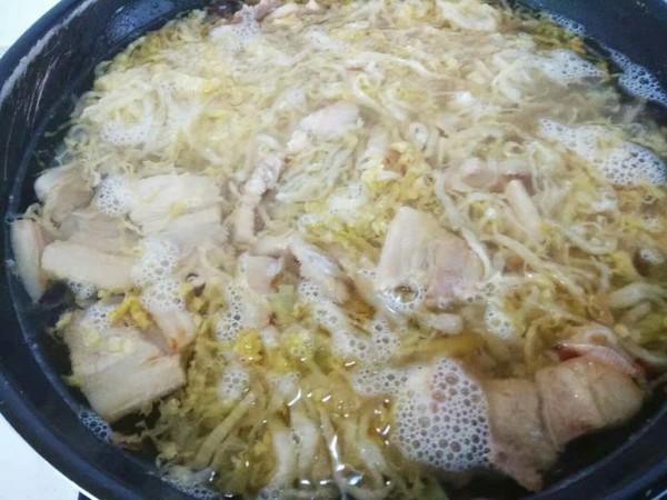 五花肉炖酸菜粉怎么做